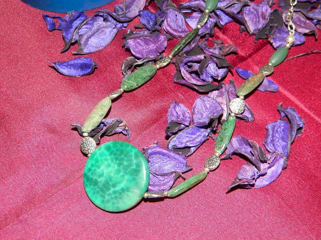 collana pietra verde